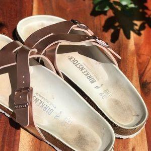 Birkenstock Shoes - Birkenstock🎀Yao metallic Rose Sandals size 39